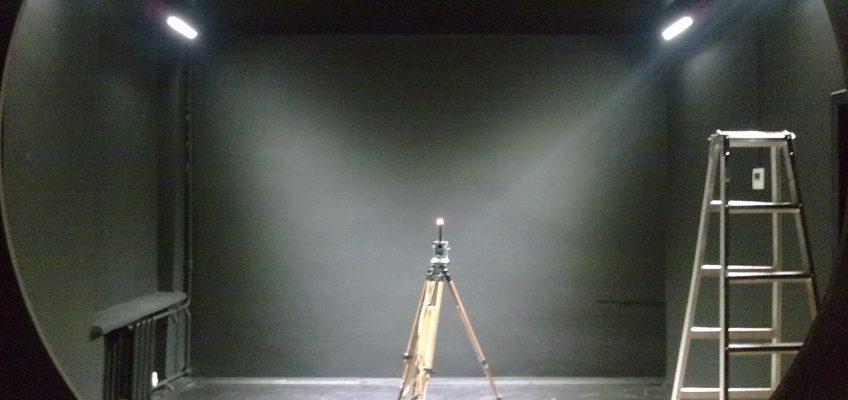 Dark room for goniophotometer